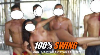 swing orgia perva mulher puta sexo varios homens voyeur putaria