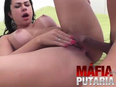 Danny Mancinni aka Dani Teste do Sofá com a Gostosa Porno Completo